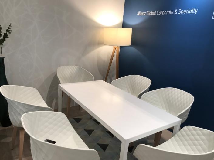 salle de réunion par In'pulsion pour le stand Allianz